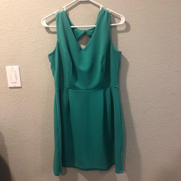 Dresses & Skirts - Light green dress size 14